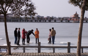 A frozen lake in Kaifeng